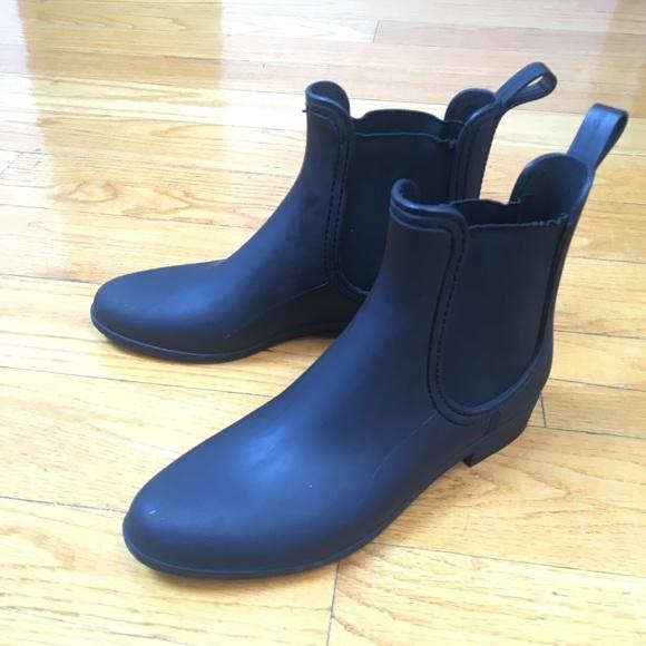 3acd0eb468bb Jeffrey Campbell Shoes - Forecast Chelsea Matte Black Rainboot
